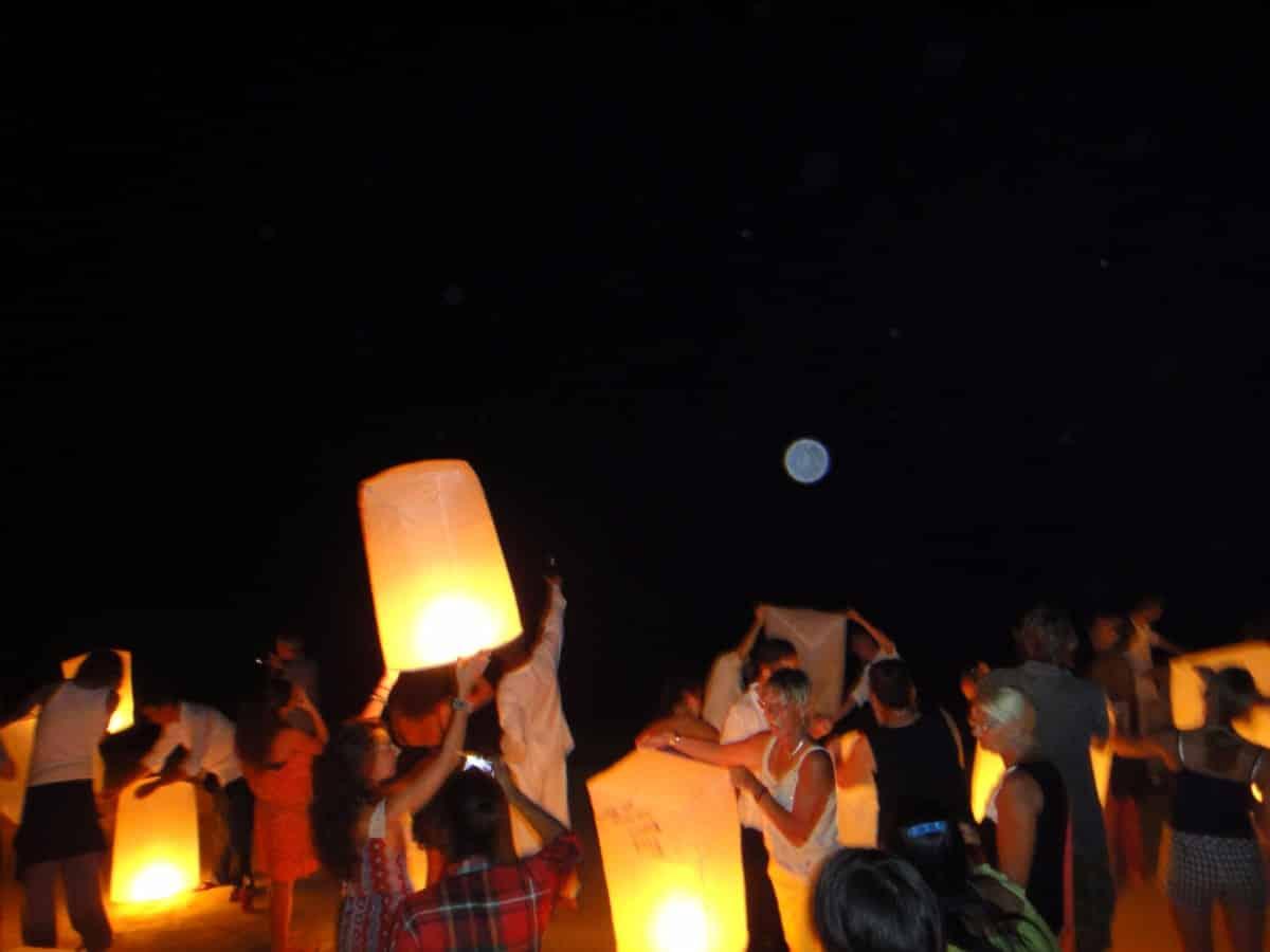 beach_party_fire_lanterns